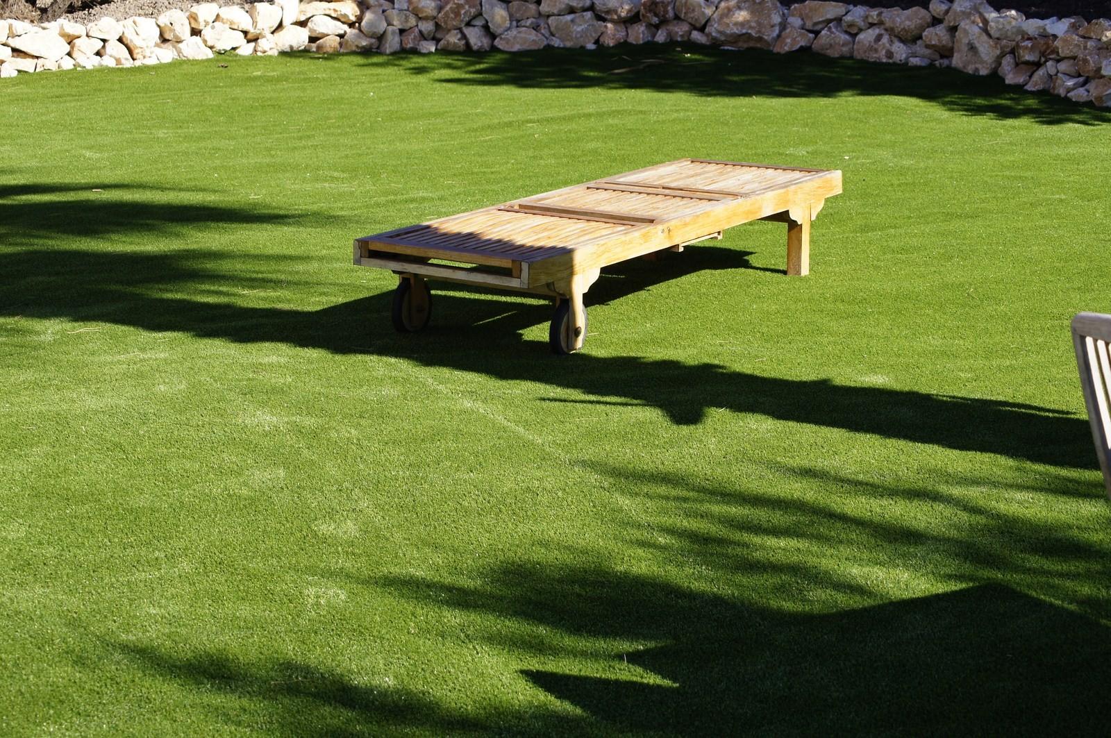 gazon-synthétique-jardin-exemple